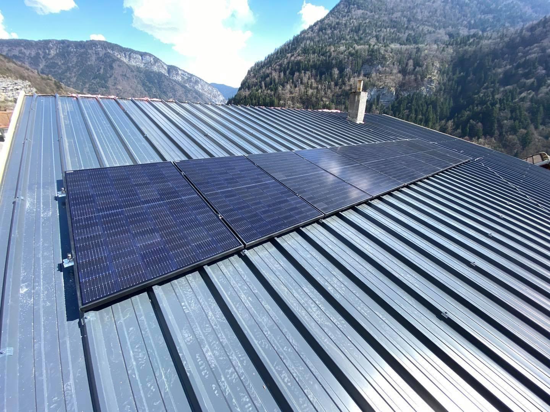 energies services france installation panneaux solaires photovoltaiques haute savoie thones aravis autoconsommation autonomie pose sur toiture bac acier